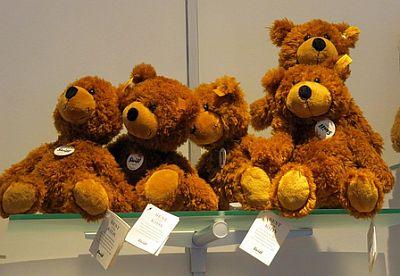 Teddyberen met prijskaartje en toegevoegde BTW